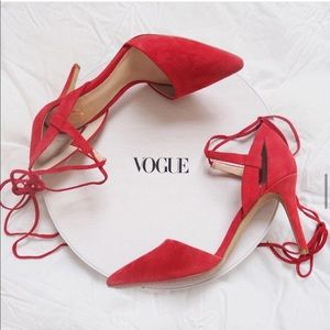 VINCE CAMUTO RED LACE UP HEELS
